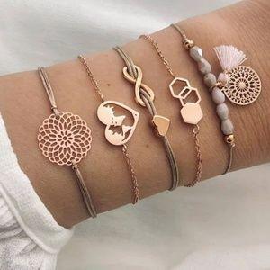 *Kimmy* 5 Piece boho Bracelet set